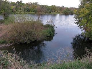 Sacramento River access point at Anderson River Park