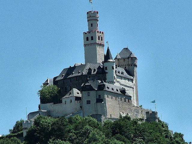 Castelo de Marksburg, sobre o rio Reno, Alemanha