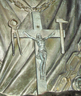 Crucifixo de Nossa Senhora, Aparições de La Salette