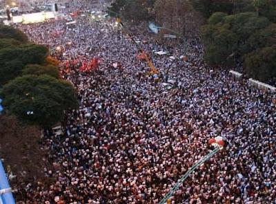 Multidão pelo campo, Buenos Aires