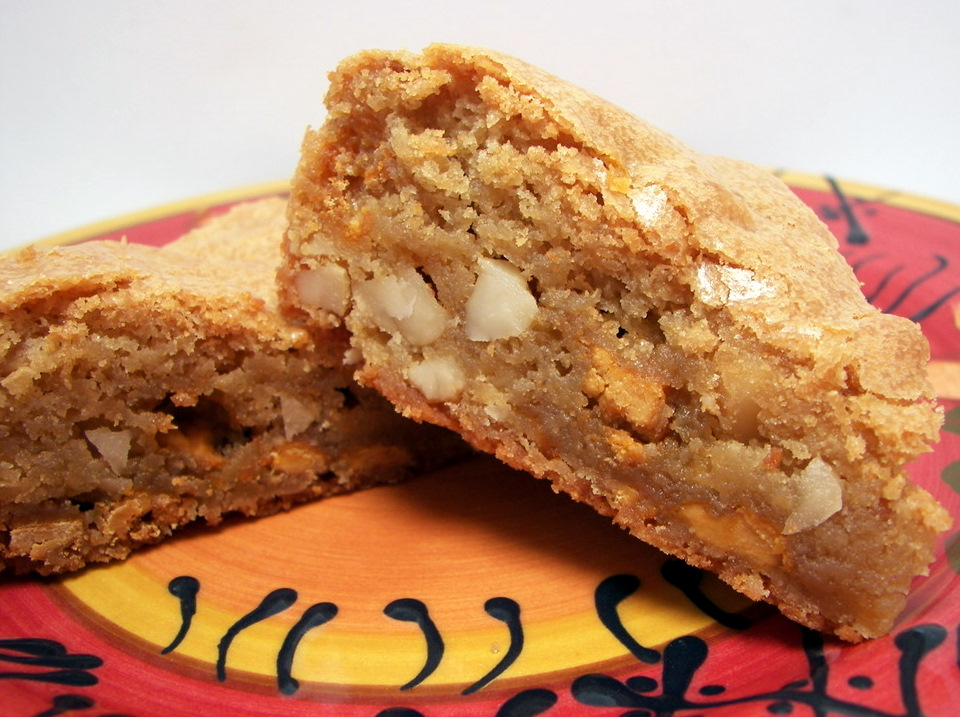 think maple butterscotch macadamia nut blondies adapted from whole ...