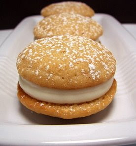 week s treat i made these mini banana whoopie pies
