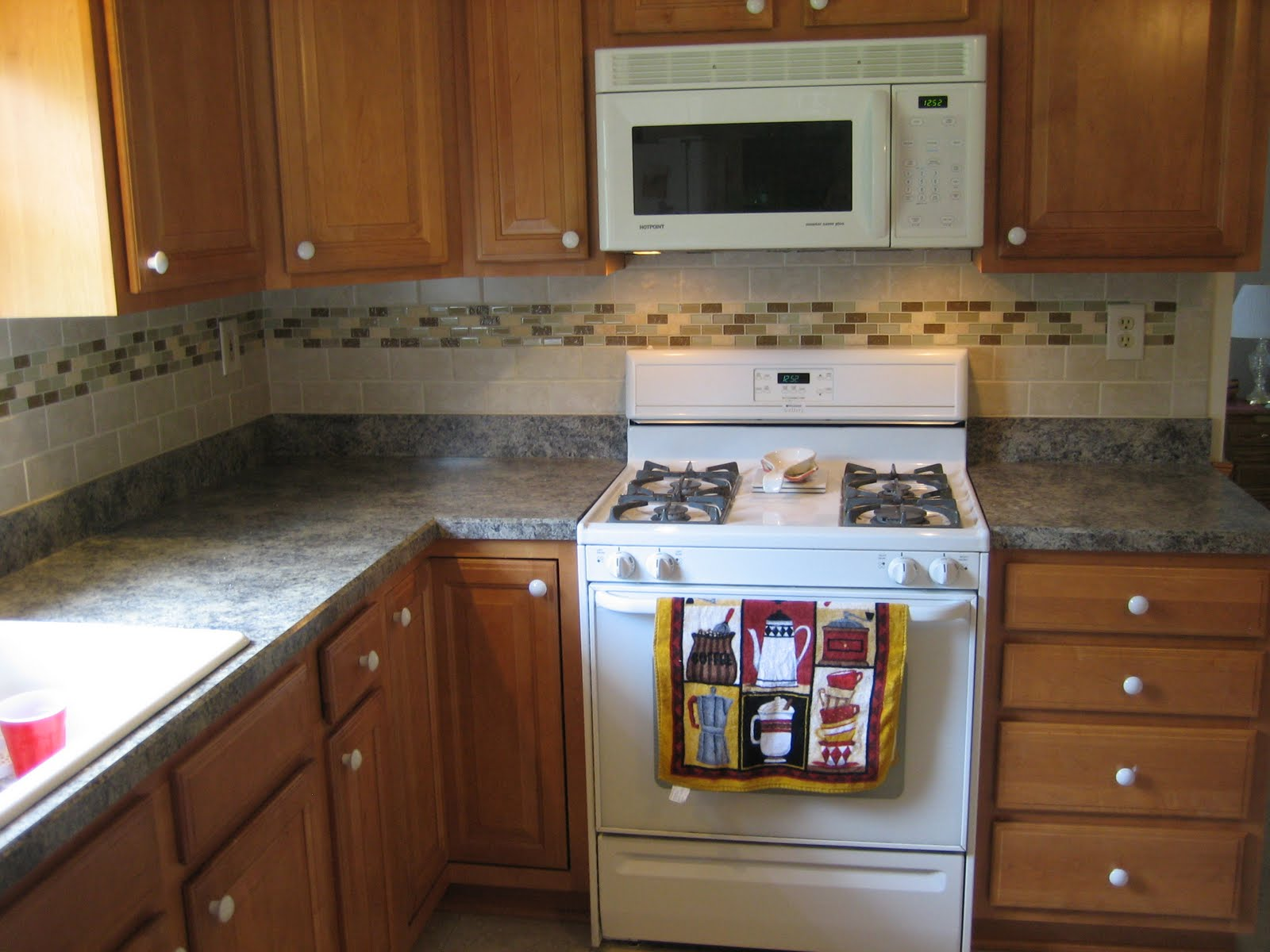 Ceramic tile kitchen backsplash designs Ceramic tile kitchen backsplash