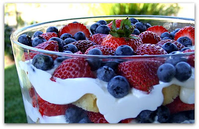 ... time to make this with those end-of-summer, disappearing berries
