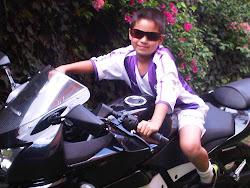 Nini en Moto