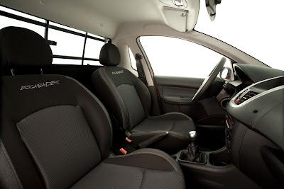 2011 Peugeot Hoggar 207 Interior