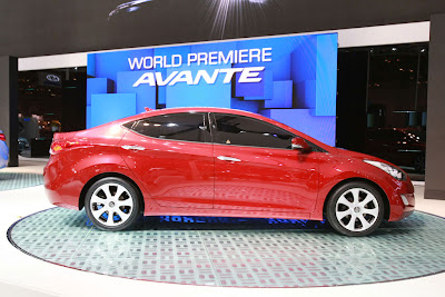 2011 Hyundai Avante Side View