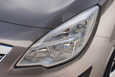 2011 Opel Meriva Headlight