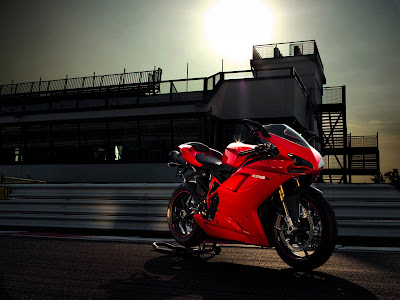 2010 Ducati 1198S First Look