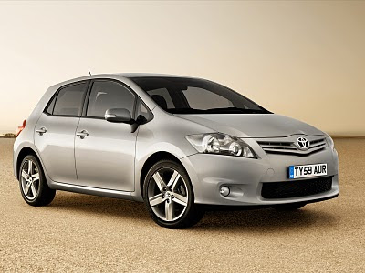 2010 Toyota Auris Wallpaper