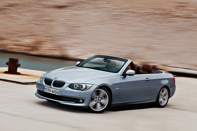 2011 BMW 3-Series Convertible Action