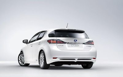 2011 Lexus CT 200h First Look