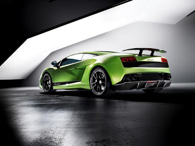 2011 Lamborghini Gallardo LP 570-4 Superleggera Rear Side View