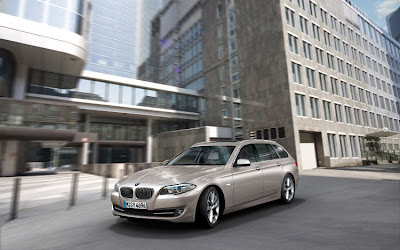 BMW 5 Series Touring Car Wallpaper