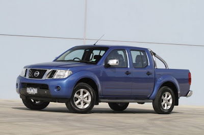 2010 Nissan Navara ST-X Car Picture