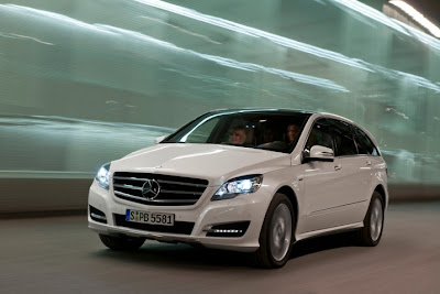 2011 Mercedes-Benz R-Class Official Picture
