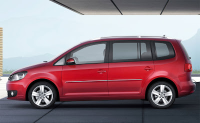 2011 Volkswagen Touran Side View