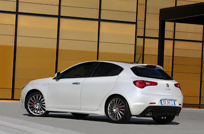 2011 Alfa Romeo Giulietta Rear Side Angle View