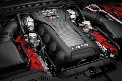 2011 Audi RS5 Engine View
