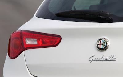 2011 Alfa Romeo Giulietta Taillights