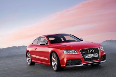 2011 Audi RS5 Luxury Car