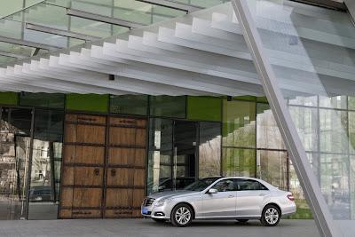2011 Mercedes-Benz E-Class L Photo