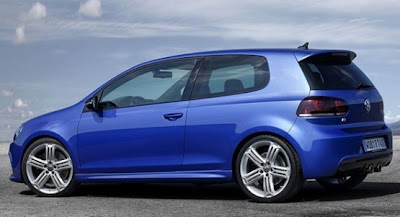 2010 Volkswagen Golf R Side View
