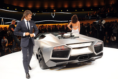 2010 Lamborghini Reventon Roadster Rear View
