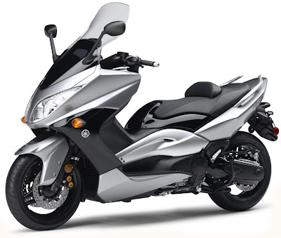 2010 Yamaha T-Max Picture