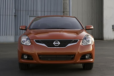 2010 Nissan Altima Coupe Front View