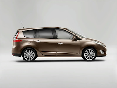 2010 Renault Scenic Side View