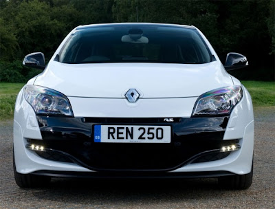 2010 Renault Megane RS Front View