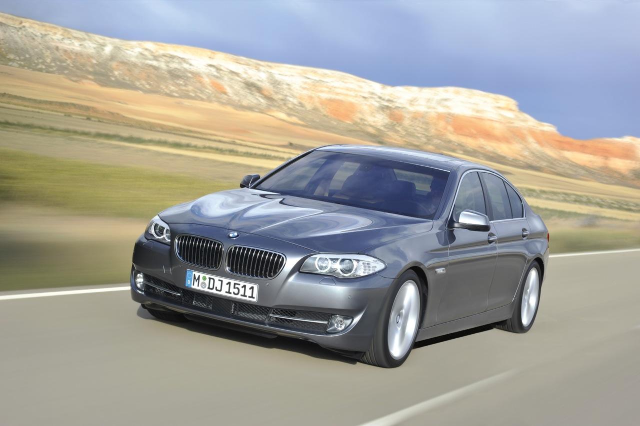 http://2.bp.blogspot.com/_J3_liDBfbvs/Sw21469zXCI/AAAAAAAAQvA/IJJK8CTHrf0/s1600/2011-BMW-5-Series-First-Drive.jpg