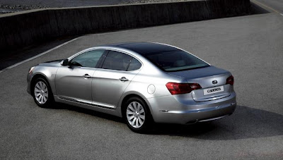 2010 Kia Cadenza Rear Side View