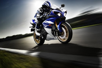 2010 Yamaha YZF-R1 Test Road
