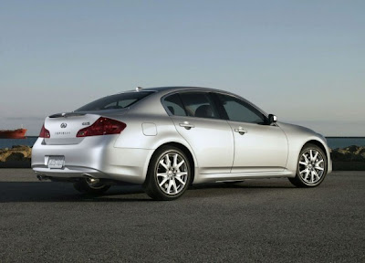 2010 Infiniti G37 Rear Side View