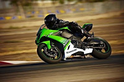 2010 Kawasaki Ninja ZX-10R Best Action