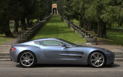 2010 Aston Martin One-77 Side View