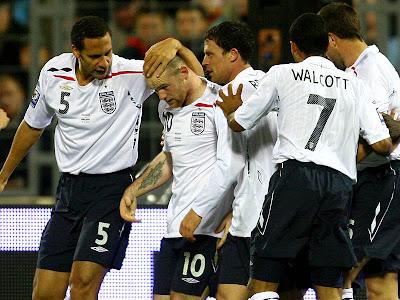 football players wallpapers 2010. England Football Team World