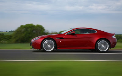 2011 Aston Martin V12 Vantage Side Action View