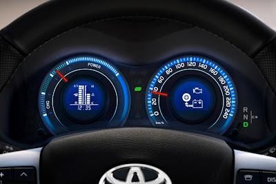 2011 Toyota Auris Hybrid Gauges View