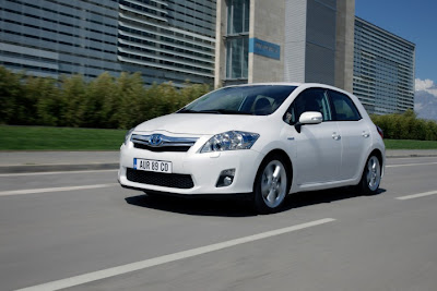 2011 Toyota Auris Hybrid Sporty Cars