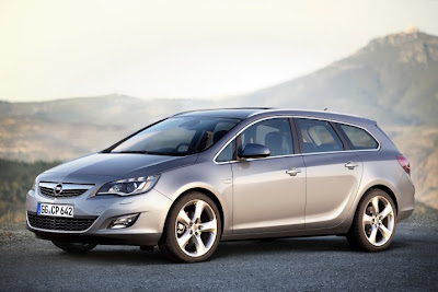 2011 Opel Astra Sports Tourer Photos