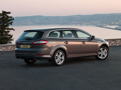 2011 Ford Mondeo Car Wallpaper