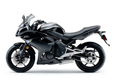 2011 Kawasaki Ninja 400R Official Pictures