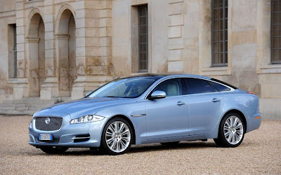 2011 Jaguar XJ Pictures