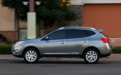 2011 Nissan Rogue Side View