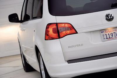 2010 Volkswagen Routan Rear Light
