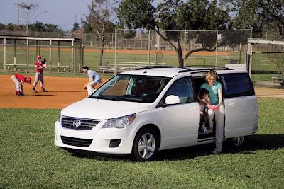 2010 Volkswagen Routan Best Minivan