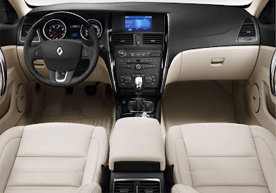 2011 Renault Latitude Interior View
